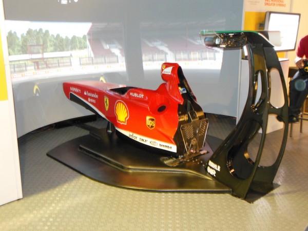 Simulateur Ferrari (3 dans le monde), mais seule Malorie a gagnée le droit de l'essayer.